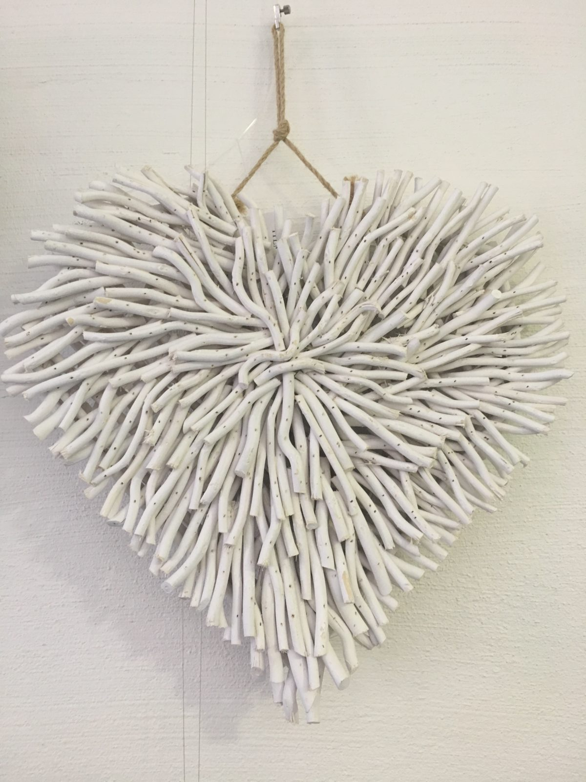 Wall Decor Driftwood Heart White Daydream Leisure