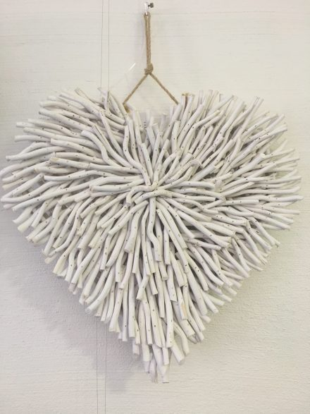 WALL DECOR DRIFTWOOD HEART WHITE